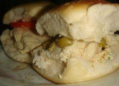 Sandwichitos con mousse de #pollo Ver receta: http://www.mis-recetas.org/recetas/show/18020-sandwichitos-con-mousse-de-pollo #sandwich