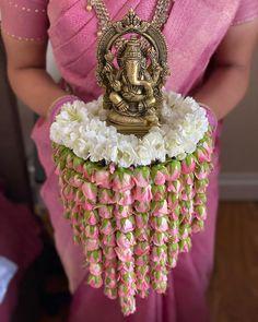 Hindu Wedding Ceremony, Tamil Wedding, Wedding Rituals, Wedding Stage, Desi Wedding Decor, Indian Wedding Decorations, Ceremony Decorations, Flower Decorations, Diy Wedding
