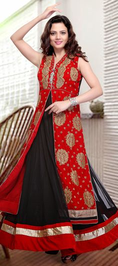 423142: Dancing Diva -this style will make you drool on the wedding dance-floor.   #OnlineShopping #WeddingCouture #bridetobe #salwarkameez #sale