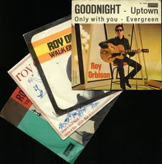 """Vier van de zeldzaamste Nederlandse Roy Orbison singles waaronder """"Uptown (EP)"""" """"Zo goed"""" """"Walk on"""" en """"Zij""""  Vier van de zeldzaamste Nederlandse Roy Orbison singles waaronder """"Uptown (EP)"""" """"Zo goed"""" """"Walk on"""" en """"Zij""""Voorwaarden: [Mouw Zie foto's voor meer informatie.--------------------------------------------------------------------------------------------------------------------------------------------------------------Wilt u dit item per aangetekende post ontvangen? Uw betaalde object…"""