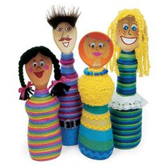 These cute dolls are made from plastic bottles, yarn, wooden spoons and a whole lot of creativity! Water Bottle Crafts, Plastic Bottle Crafts, Plastic Bottles, Water Bottles, Plastic Beads, Recycled Crafts Kids, Recycled Art, Recycled Bottles, Doll Crafts