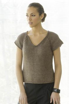 Eileen Tee in S. Discover more Patterns by Stacy Charles Fine Yarns at LoveKnitting. The world& largest range of knitting supplies - we stock patterns, yarn, needles and books from all of your favorite brands. Knitting Patterns Free, Knit Patterns, Free Knitting, Free Pattern, Charity Knitting, Fashion For Women Over 40, Knit Fashion, Knitting Yarn, Pulls