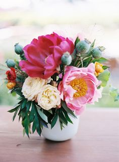 Wedding Ideas: pink-magenta-wedding-centerpiece