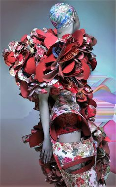 Rei Kawakubo tells Susannah Frankel of her punk vision for in this exclusive story, shot by Nick Knight and styled by Katie Shillingford for the new issue of AnOther Magazine Live Fashion, Fashion Brand, Fashion Art, Editorial Fashion, Fashion Beauty, Fashion 2016, Flower Fashion, Timeless Fashion, Vintage Fashion