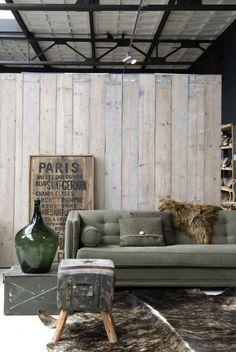 Kleur + stijl bank. Voor het bekleden van meubels kun je terecht bij: meubelrestyle.nl