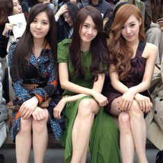 tiffany, seohyun and yoona at the burberry show