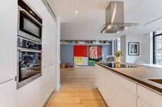 Post: Piso de lujo en Copenhague --> Bang & Olufsen, blog decoración nórdica, diseño danés, diseño nórdico, fritz hansen, HAY, Louis Poulsen, piso danes, piso de lujo en copenhague,cocina nórdica,cocina con isla