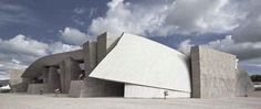 Contemporary Art Centres : Key Arts Buildings Major Arts Center Architecture from around the World | photo : Magma Art & Congress