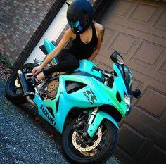 Top 10 Posts von Mototeka: Feed the addiciton - Bike - Moto Bike, Motorcycle Bike, Motorcycle Quotes, Girl Motorcycle, Biker Chick, Biker Girl, Sport Bike Helmets, Yamaha Sport, Yamaha R1
