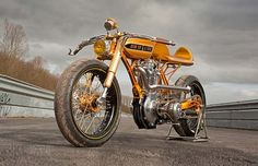 Son of a Gun (BSA Gold Star). Made by Larry Houghton of Lamb Engineering.