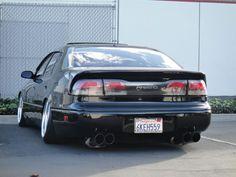 Lovely dropped Toyota Aristo / Lexus GS300 (via http://www.clublexus.com )