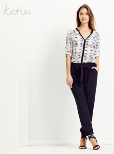THE TIE FRONT PANT / Small details turn simple into statement. Our tie-front pant in a soft leg shape is just at ease with a dress shirt as it is a basic top. This is the all occasion pant you need now. Katies Fashion, Soft Legs, Basic Tops, Dress Shirt, Capri Pants, Shape, Detail, Shirts, Collection