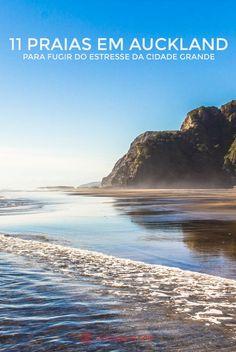 A praia de Karekare, na Nova Zelândia, uma das mais rústicas do país, fica na Ilha Norte e a uma hora de Auckland, a maior cidade do país. Ali foi filmado o filme O Piano e se tornou um ícone. Com suas paredes rochosas e águas revoltas, chama muito a atenção de surfistas. O céu está azul, refletido nas areias molhadas de Karekare.