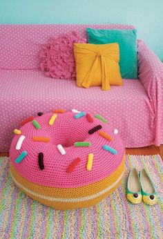 Fabulous DIY Poufs and Ottomans - Giant Donut Floor Pouf  - Step by Step Tutorials and Easy Patterns for Cool Home Decor. Crochet, No Sew, Leather, Moroccan Boho, Knit and Fun Fur Projects and Chair Ideas http://diyjoy.com/diy-floor-poufs
