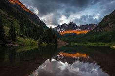 A summer morning in Maroon Bells Photo by Unnikrishnan P Nair — National Geographic Your Shot