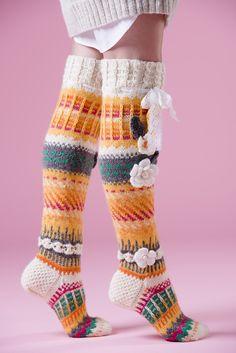 Anelman Flower Socks Novita 7 Brothers and 7 Brothers Raita, Novita Knits spring … Crochet Socks Pattern, Crochet Gloves, Crochet Slippers, Knit Crochet, Wool Socks, Knitting Socks, Hand Knitting, Knitting Patterns, Knitting Projects