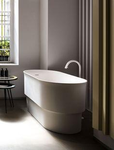 agape tub immersion - Google Search Japanese Soaking Tubs, Japanese Bath, Small Bathroom With Shower, Small Tub, Family Bathroom, Modern Bathtub, Modern Bathroom Decor, Bathroom Lighting, Duravit