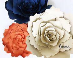 Explora artículos únicos de PaperFlora en Etsy, un mercado global de productos hechos a mano, vintage y creativos.