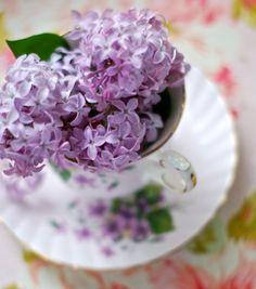 tea & lilacs