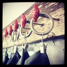 beads, screws & reclaimed barnwood: alternative for a decorative curtain rod