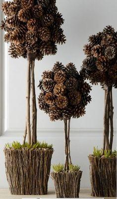 Front Door Christmas Decorations, Pine Cone Decorations, Pinecone Crafts Kids, Pine Cone Crafts, Pine Cone Art, Pine Cones, Diy Home Crafts, Decor Crafts, Flower Arrangement Designs