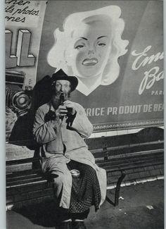 1938 1968 Brassai Pere La Flute In The Metro Paris Art Photo Photogravure Found Poetry, Vintage Words, Brassai, Paris Metro, Alberto Giacometti, Moving To Paris, Paris Art, French Photographers, Henri Matisse