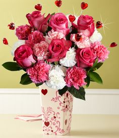 Find the best value on Valentine's Day flowers this season. From Valentine's roses to lily bouquets, send the best Valentine's Day flower delivery. Flowers For Valentines Day, Mothers Day Flowers, Most Beautiful Flowers, Love Flowers, Fresh Flowers, Birthday Delivery, Roses Only, Rose Delivery, Floral Arrangements