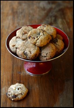 These cookies do look rather plump & chewy- just the way like 'em. Chocolate Chip Cookies, Norwegian Food, Cookie Do, Perfect Cookie, Candy Recipes, Food Inspiration, Cravings, Deserts, Muffin