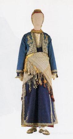 Traditional Greek festive costume from the Konya – Niğde region (Western Cappadokia). Greek Traditional Dress, Traditional Fashion, Traditional Outfits, Gypsy Costume, Folk Costume, Historical Costume, Historical Clothing, Dance Costumes, Greek Costumes