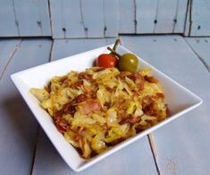 Fried Cabbage and Bacon Southern Side Dishes, Best Side Dishes, Healthy Dishes, Vegetable Side Dishes, Southern Recipes, Food Dishes, Onion Recipes, Cabbage Recipes, Vegetable Recipes