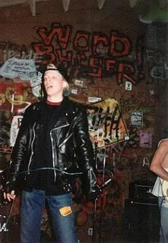 Dexter Holland. Look how young!!!