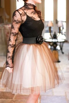 DIY Tulle Skirt DIY--- my niece could so rock this look.  She's only 10-years-old but she's very thin and long.  I should make one for her..