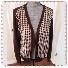 Rich Brown Argyle pattern Cardigan sweater Great for casual days at work or play. Super clean no tears or stains and I come from smoke free home  Sweaters Cardigans