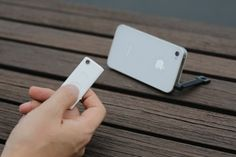Muku Shuttr (White) - iPhone - Remote Control for Camera Shutter