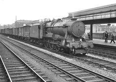 1014 County of Glamorgan Birmingham (Snow Hill). Diesel Locomotive, Steam Locomotive, Railroad History, Steam Railway, Train Times, British Rail, Great Western, Hill Station, Steam Engine