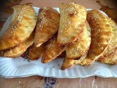 Pateuri de casa cu ciuperci Cooking Recipes, Healthy Recipes, Pastry And Bakery, Arabic Food, Dough Recipe, Soul Food, Food To Make, Food Photography, Food Porn