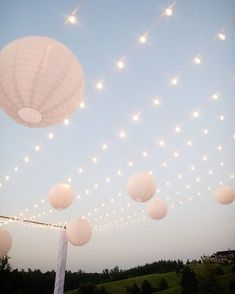 outdoor wedding Your Ultimate Guide To Wedding Lighting - Bridal Musings Bridal Musings, Boho Wedding, Dream Wedding, Wedding Blog, Wedding Themes, Trendy Wedding, Wedding Ideas, Wedding Cake, 18th Birthday Party Themes
