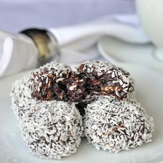 From Rock Recipes The Perfect Newfoundland Snowballs Recipe - my grandmother's recipe for these oatmeal and fudge balls has consistently been in our TOP TEN recipes for the past 6 years. Rock Recipes, Candy Recipes, Cookie Recipes, Dessert Recipes, Fudge Recipes, Baking Recipes, Just Desserts, Delicious Desserts, Yummy Treats