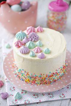Bolo bicho de pé com massa colorida | Flamboesa Candyland, Popsicles, Cake Cookies, Amazing Cakes, Coco, Vanilla Cake, Frosting, Cake Decorating, Birthday Cake