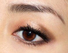 Wearing Lunasol Pink Beige Vivid Clear Eyes Eyeshadow Palette