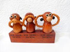 http://www.ebay.de/itm/Vintage-60er-Bojesen-Teak-Flaschenoffner-Ausgieser-Korken-Flaschenverschluss/111632716718?_trksid=p2047675.c100005.m1851