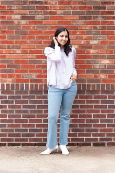 Puff sleeve floral top and flare jeans for a casual and on trend spring outfit Modest Outfits, Jean Outfits, Modest Fashion, Casual Outfits, Fashion Outfits, Women's Jeans, Skinny Jeans, Flare Jeans Outfit, Women's Casual