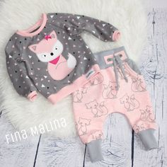 Baby-Set – Baby Kleidung naissance part naissance bebe faire part felicitation baby boy clothes girl tips Baby Set, Baby Baby, Baby Outfits, Kids Outfits, Baby Socks, Baby Kind, Cute Baby Clothes, Baby Sewing, Kids And Parenting