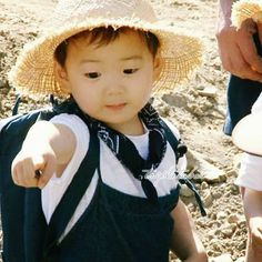 Baby minguk so cute i cannot