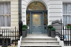 Top ten Farrow and Ball front door colours (colors) from Modern Country Style blog: Farrow and Ball Front Door Downpipe