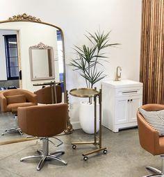Home Hair Salons, Hair Salon Interior, Salon Interior Design, Home Salon, Esthetics Room, Beauty Room Decor, Salon Furniture, Home Decor, House