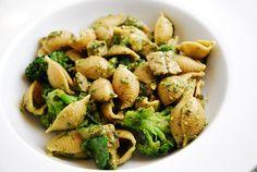 shells w/ sausage & broccoli pesto