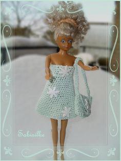 """Puppenkleidung - Minikleid mit """"Schnee-Kristallen"""" für Barbie **... - ein Designerstück von Sabisilke bei DaWanda"""