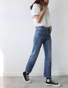I lived for these shoes in high school. Love how they look with straight leg blue denim jeans and a white tee (my uniform). Denim Fashion, Fashion Outfits, All Jeans, Denim Jeans, Mein Style, Street Style, Minimal Fashion, Everyday Fashion, Air Jordan