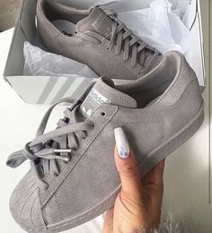 Imagem de adidas, shoes, and grey
